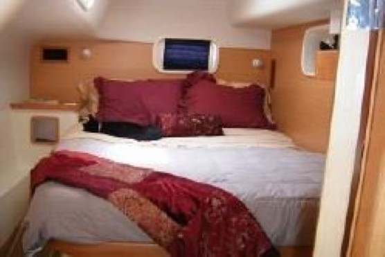 Preowned Sail Catamarans for Sale 2006 Leopard 43  Layout & Accommodations